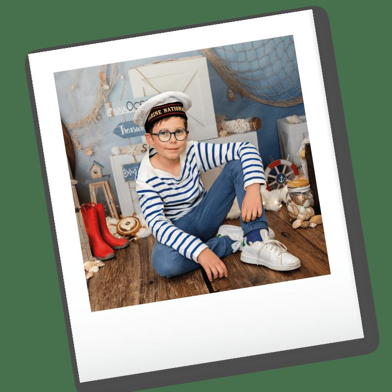 Polaroid d'un petit garçon
